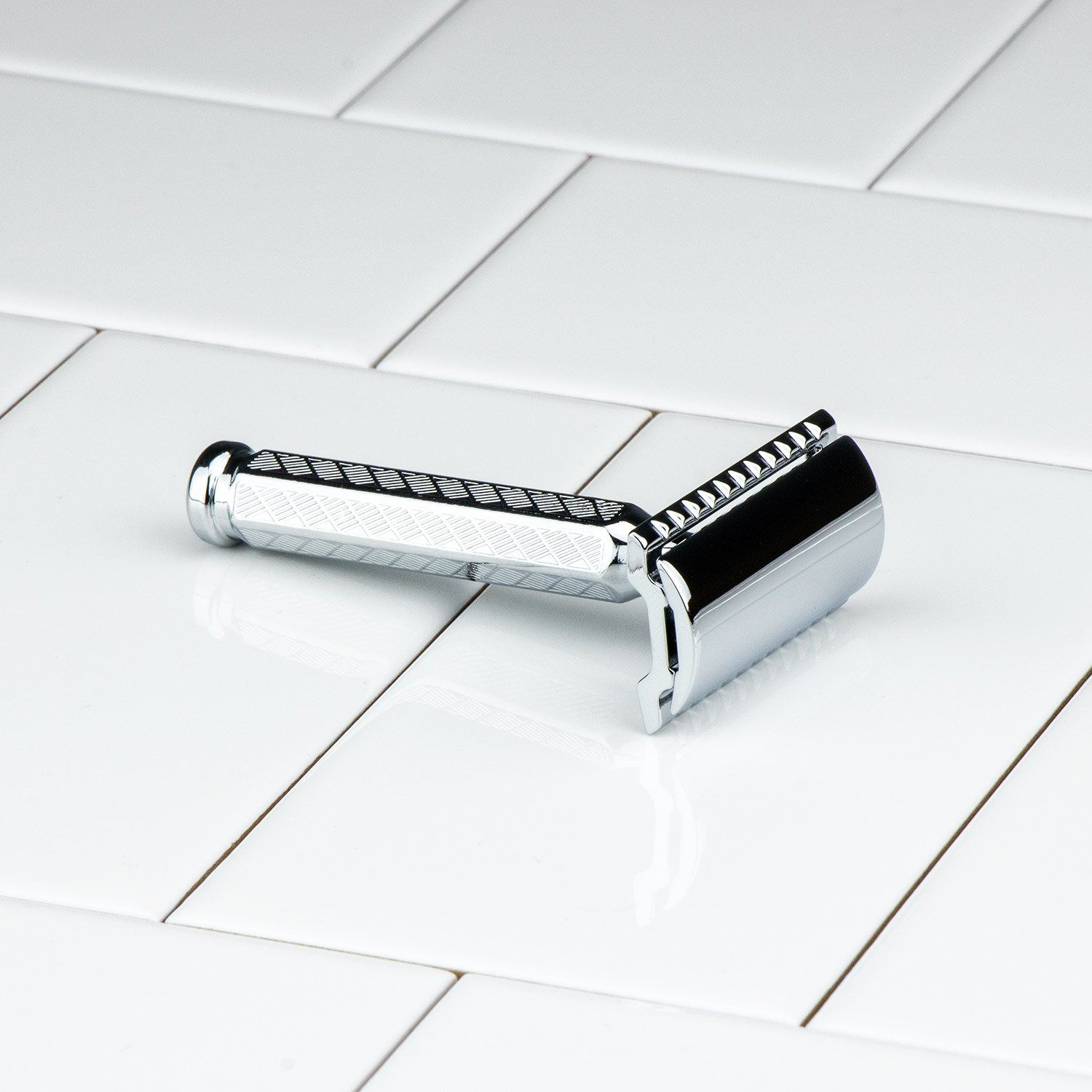 Merkur Double Edge Safety Razor, Straight Cut, Chrome-plated, Etched Handle 1904 Classic 42C