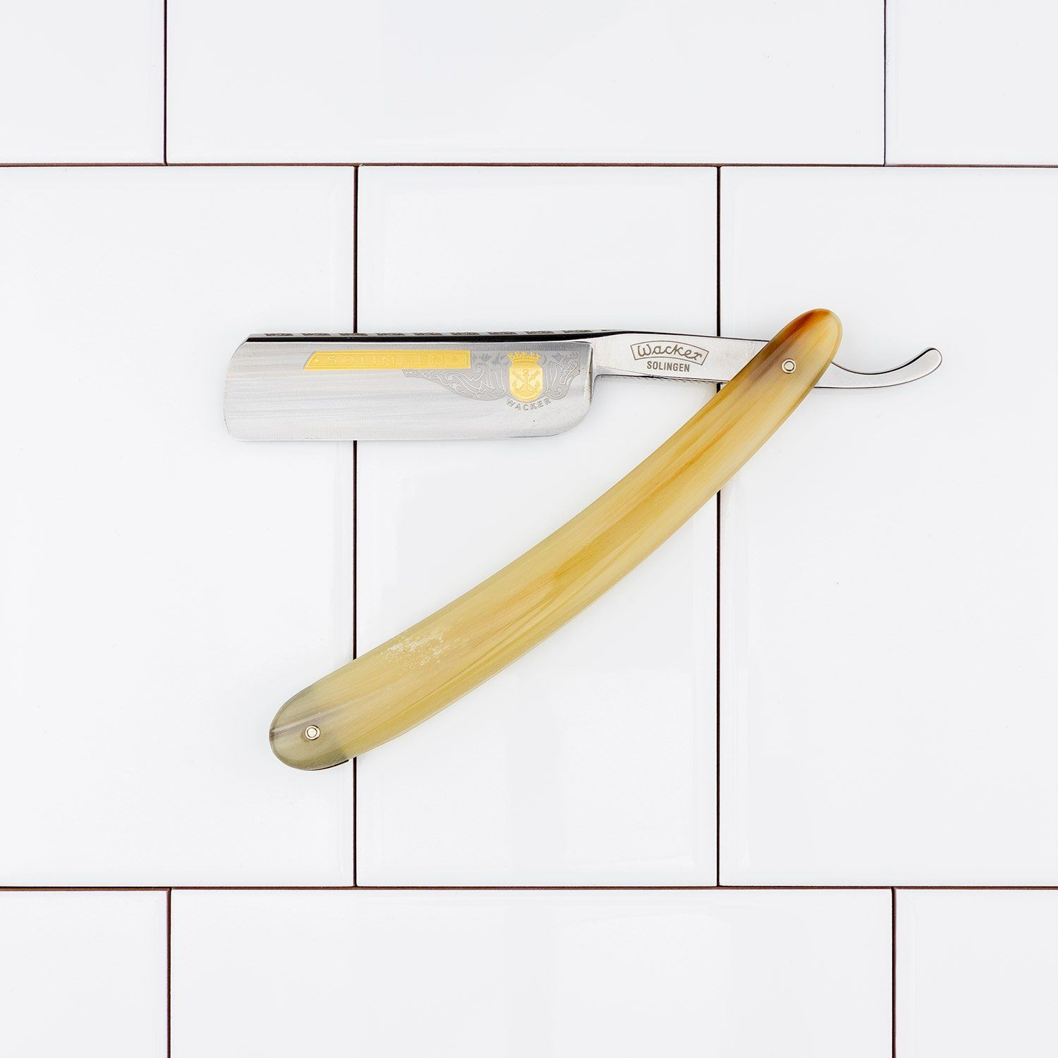 "Wacker ""Traditional"" Straight Razor with Round Point, Blond Horn Scales, 7/8"""