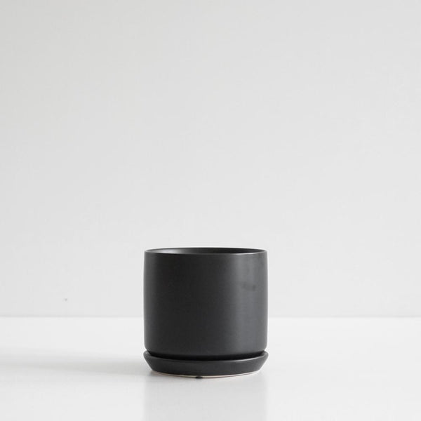 Oslo Planter Jet Black - Medium