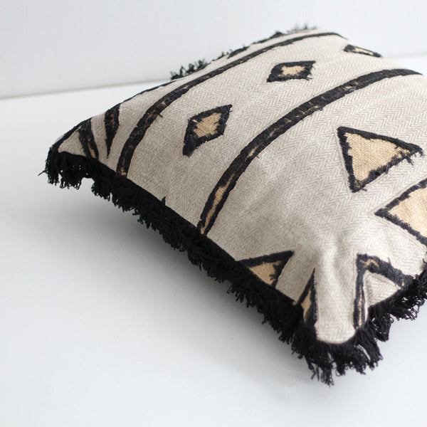 Adesi Cushion