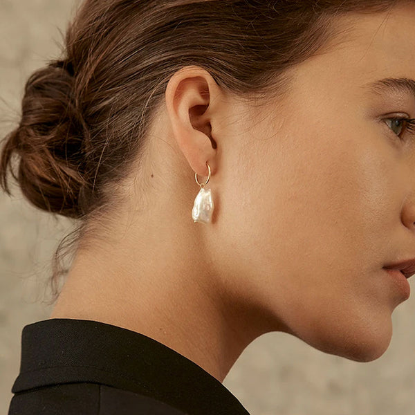 Delfina Pearl Earrings