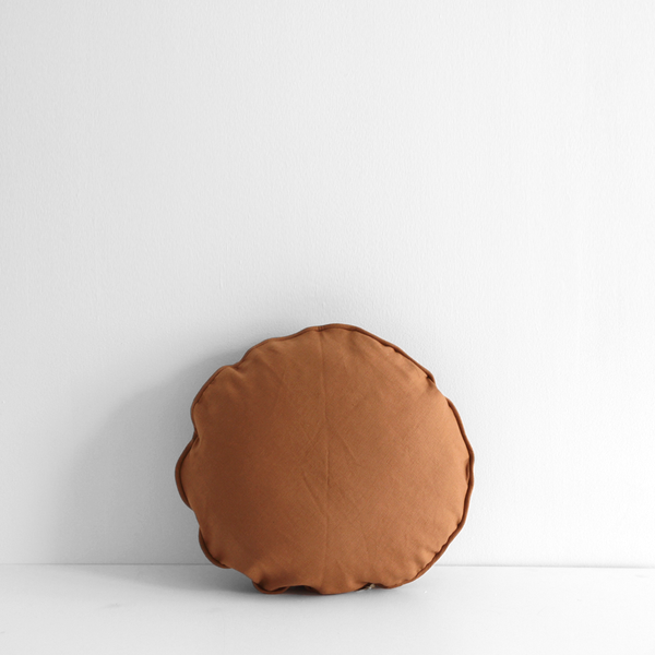A&C Linen Round Cushion - Toffee
