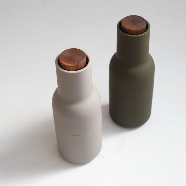 MENU Salt & Pepper Grinders - Hunting Green and Beige (Walnut Lid)