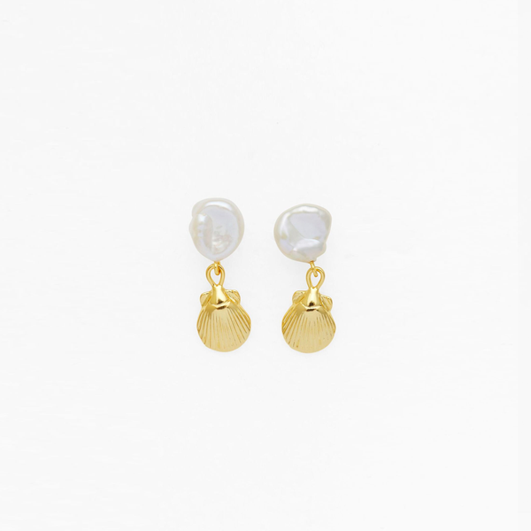 Seashell Pearl Earrings - Gold