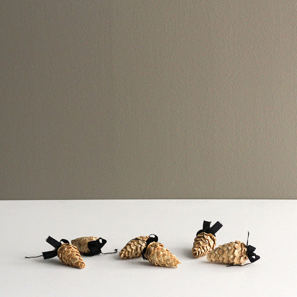 Hanging Straw Pinecone Decoration - Set of 6