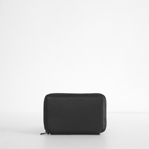 Vow Travel Wallet - Black