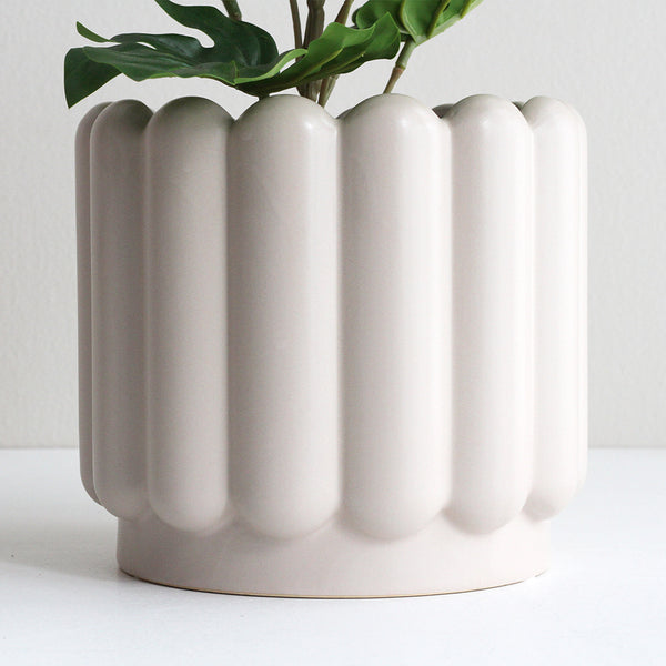 Medium Vienna Planter - Parchment