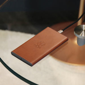 LeatherDock Wireless Charger - qi certified, compatible with iPhone 8, iPhone 8 Plus, iPhone X, iPhone XS, iPhone XS Max & iPhone XR - Homicreations.com - SUSTAIN Heated Scarf, iPhone 8, iPhone 8 Plus, iPhone X qi wireless charging docks, QC 2.0 car chargers & MFI lightning cables