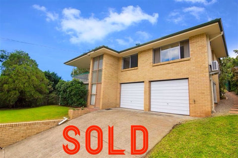 12 Desanne Street Moorooka 4105 - SOLD before AUCTION by the Town Crier Auctioneer