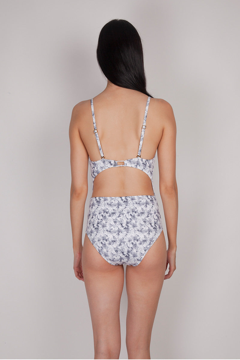 GRAY WILD FLORAL ONE PIECE