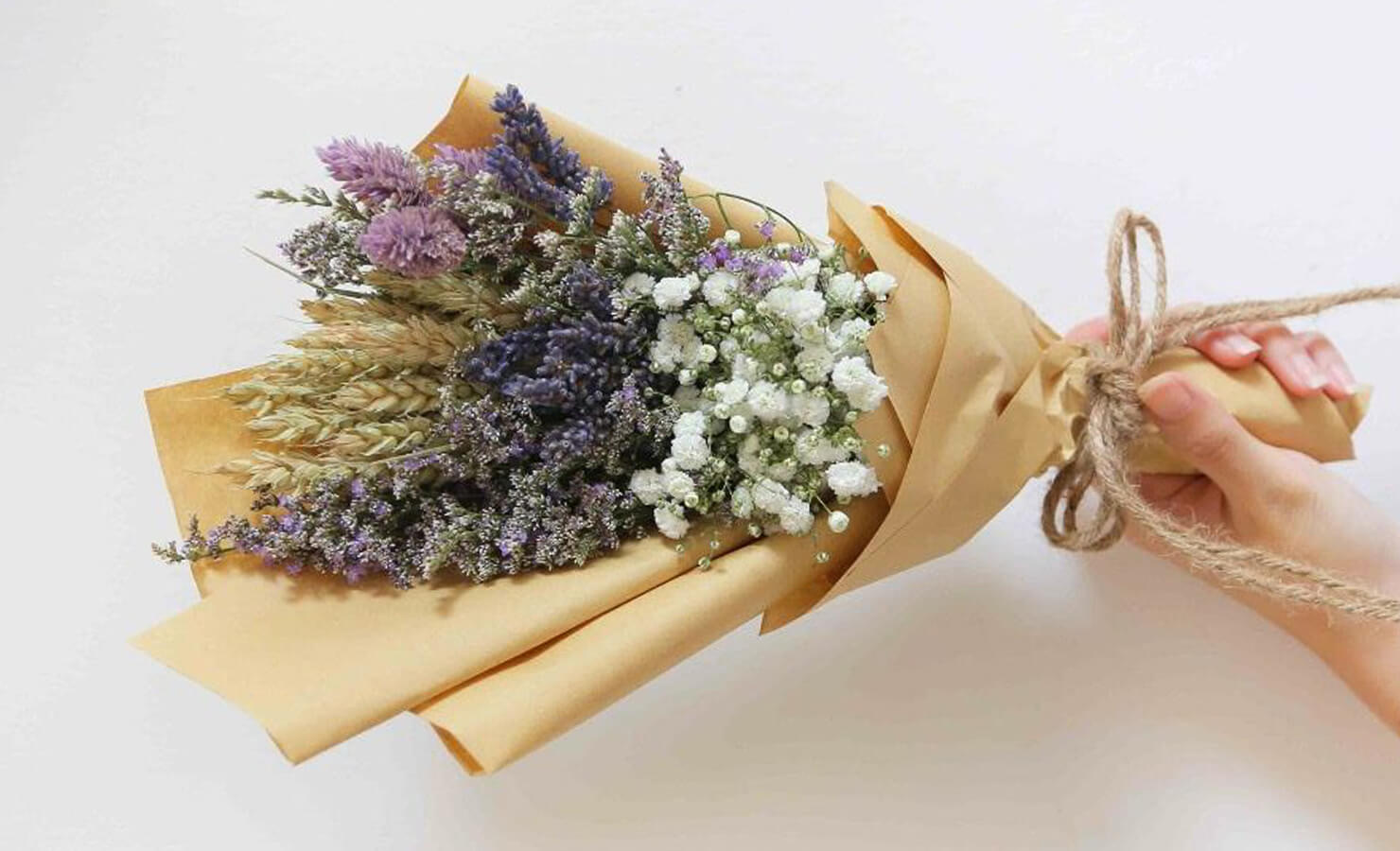 diy-dry-flower-bouquet-hand-bouquet