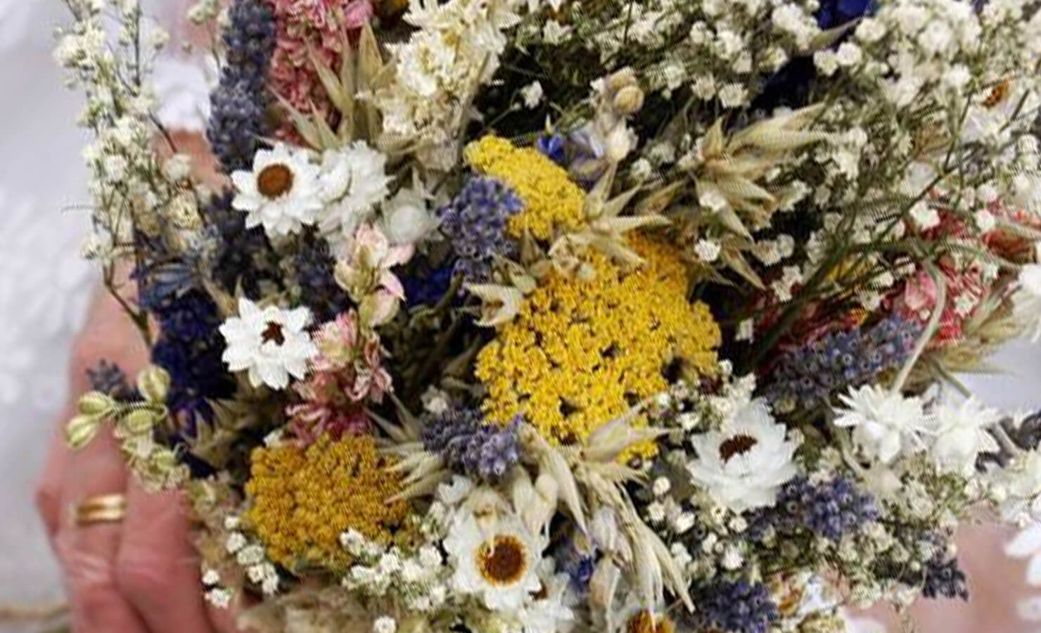 diy-dry-flower-bouquet-scent-with-essential-oils