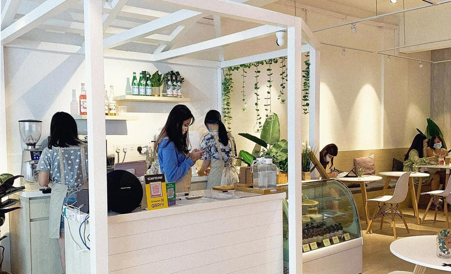 bloomthis-5-plant-flower-cafes-you-have-to-visit-11-cc-by-mel-cafe