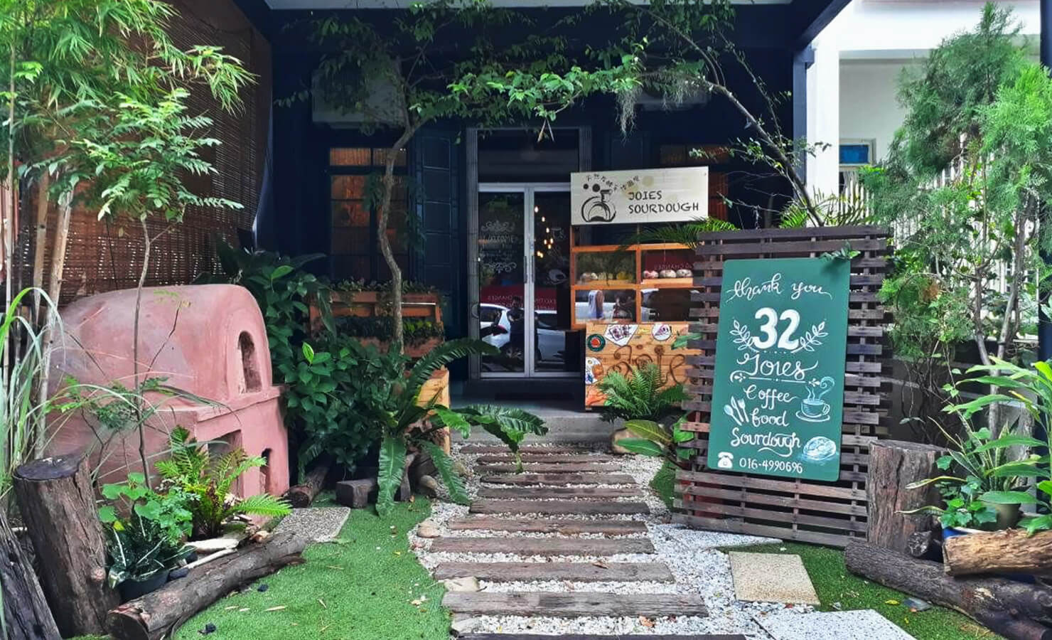 bloomthis-hidden-gems-in-malaysia-03-joies-cafe-penang