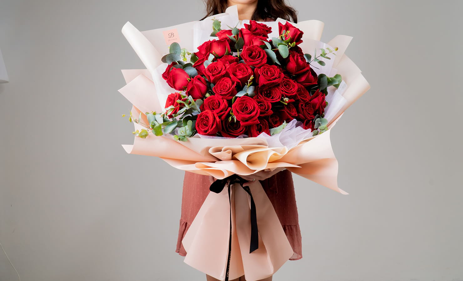 bloomthis-qixi-festival-gift-guide-2021-03-ashley-red-rose-bouquet