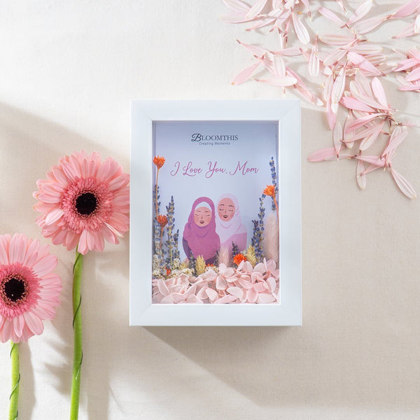 Daughter Love Dried Flower Frame (MDV)