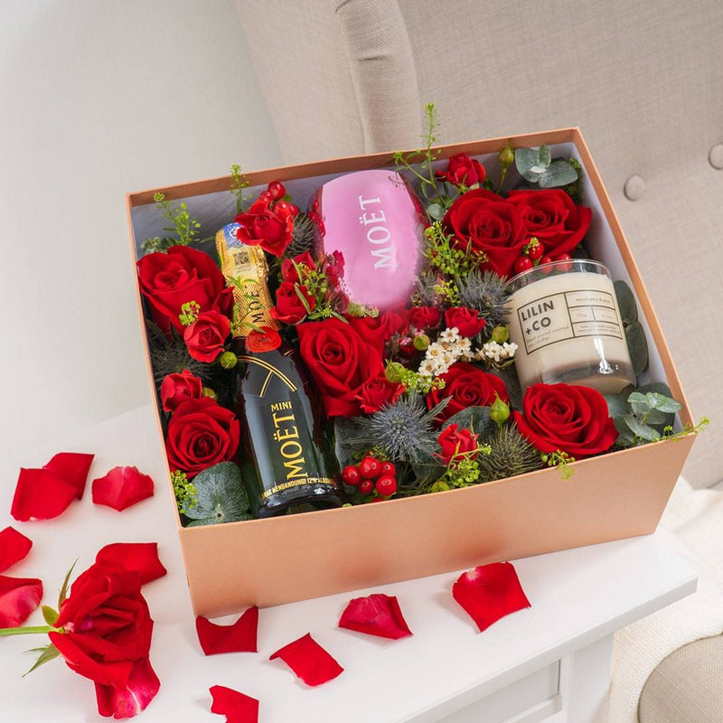 Enchanté Champagne & Candle Gift Box