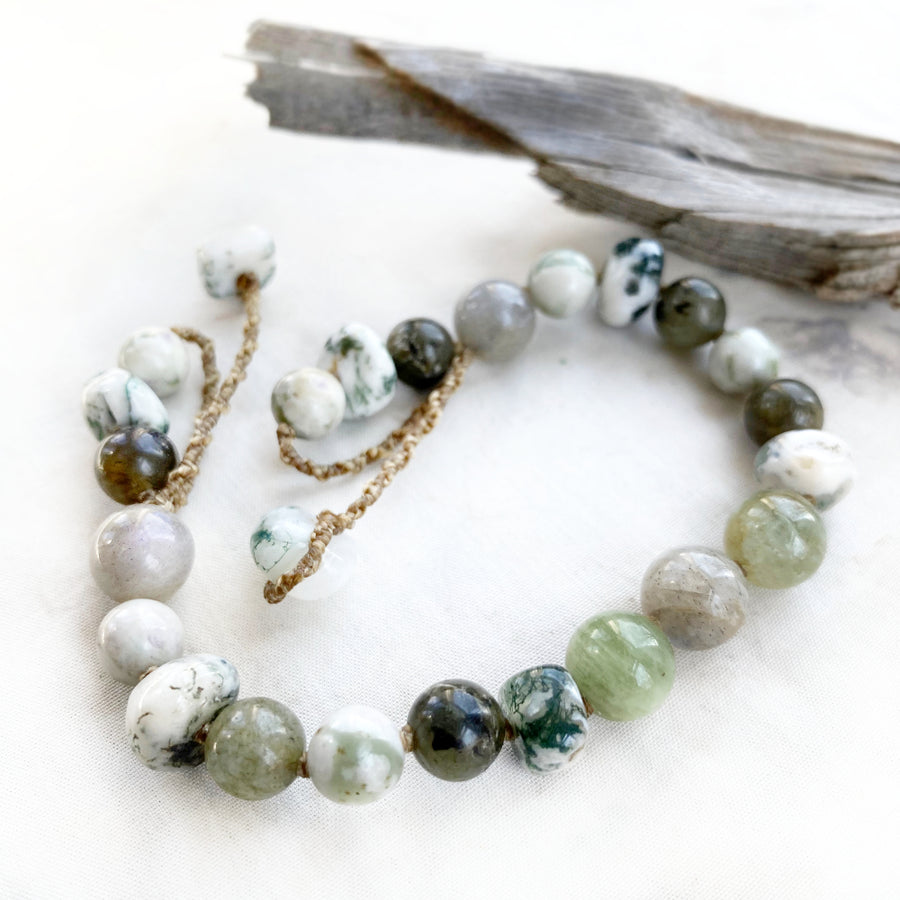 Crystal healing bracelet in green tones ~ for max 7