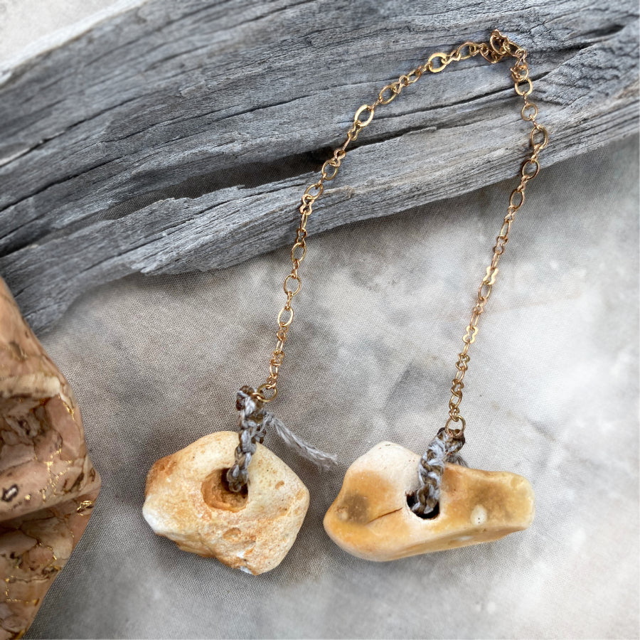 Pendulum with two Flint Hagstones in cork pouch (code-fp7)