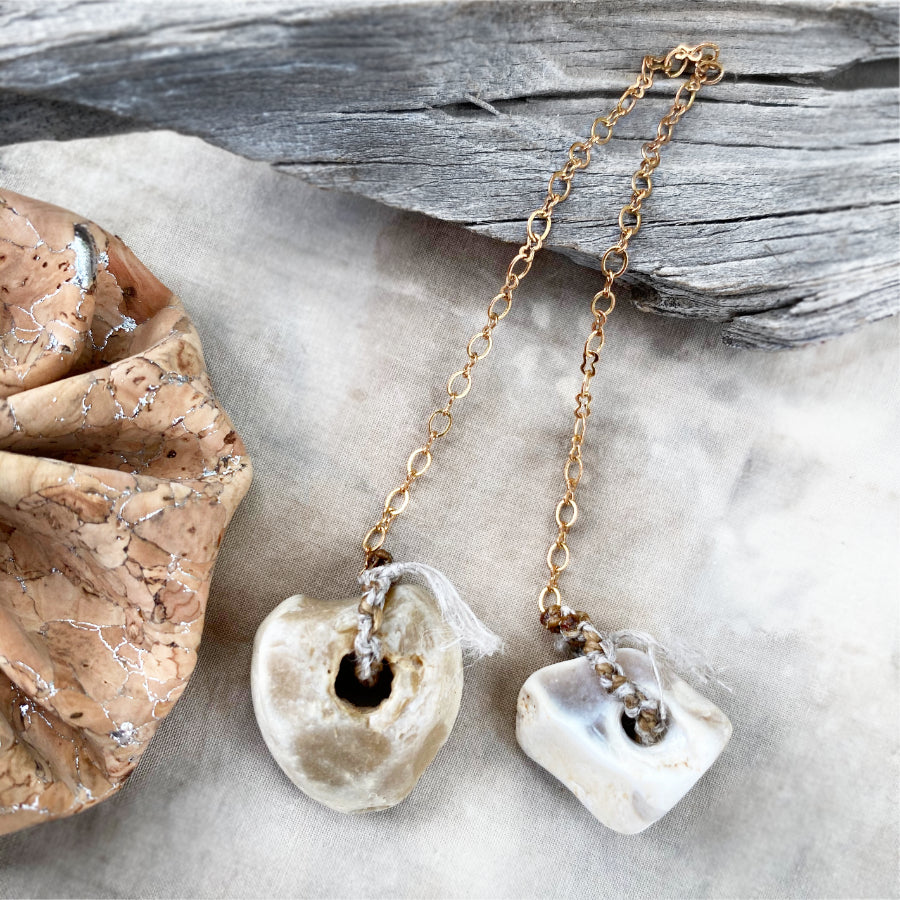 Pendulum with two Flint Hagstones in cork pouch (code-fp8)