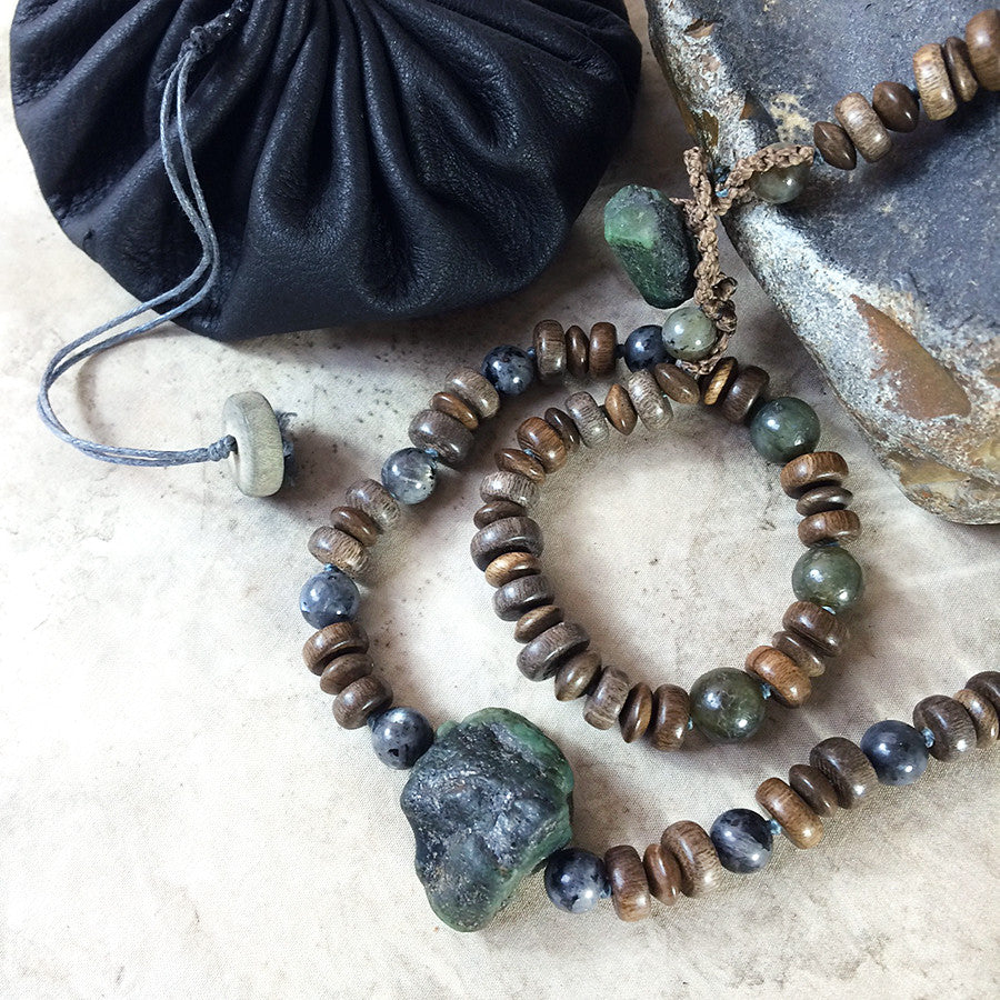 Stone talisman for men ~ with raw Emerald, Labradorite & Norwegian Moonstone