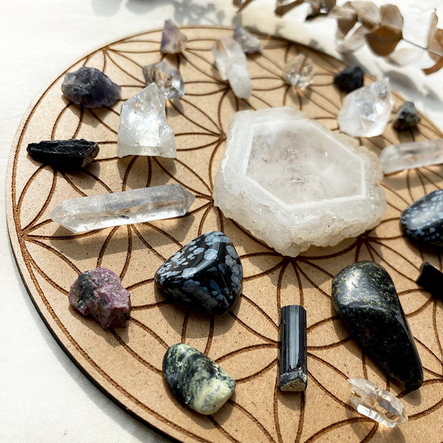 'Vision Quest' crystal grid set ~ on Flower of Life base