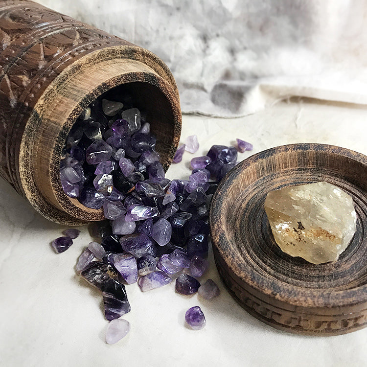 'Wishing well' gift set ~ with vintage wooden carved jar, Amethyst chips & Citrine point