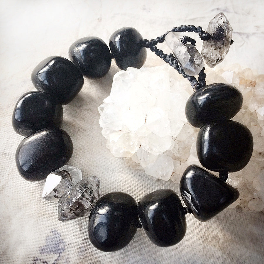 Crystal healing bracelet with Jet & Sichuan Quartz ~ for approx. 6.5