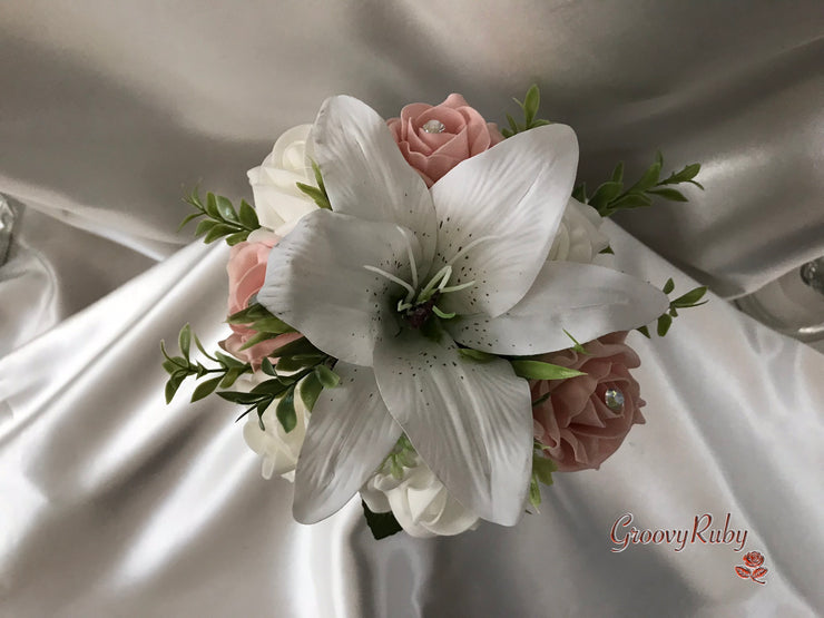 White Tiger Lilies & Vintage Peach Roses With Foliage