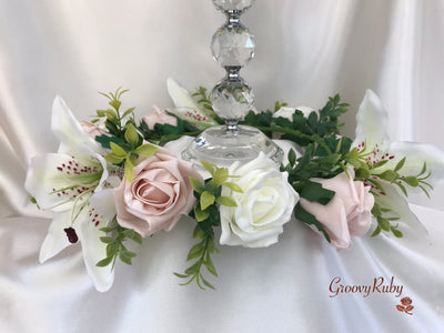 Small Tiger Lily & Mocha Pink Roses Wired Candelabra Table Rings