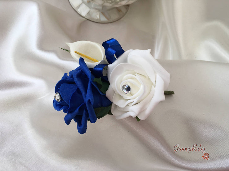 White & Blue Centred Calla Lilies With Roses & Heart Brooch