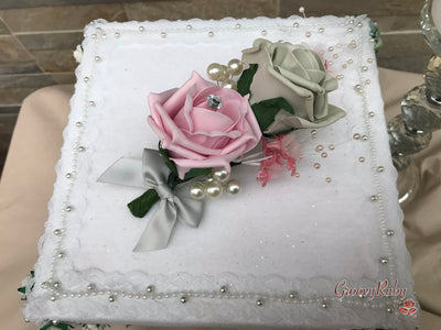 Small Cake Spray Dusky Pink & Grey With Pearls