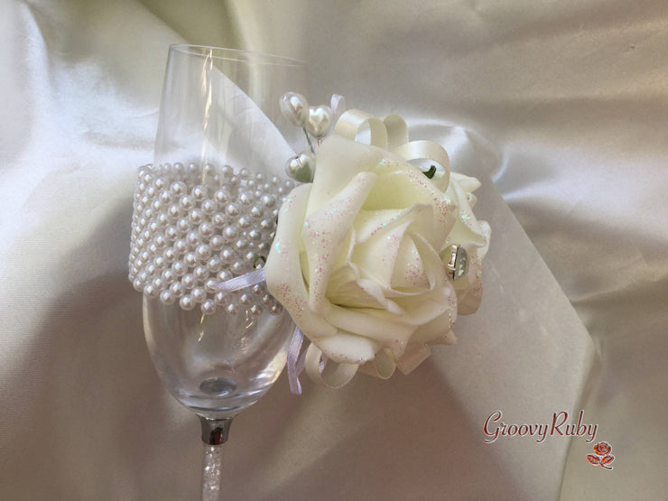 Ivory Rose Sequin With Pearl Diamante Brooch