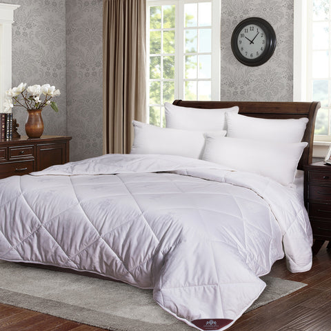 """Triumph Hill"" Comforter 100% Australian Wool Medium Weight 100% Jacquard Cotton King. Machine washable. Deluxe duvet - DSD Brands"