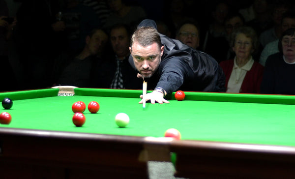 Stephen Hendry on a shot