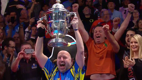 Marcus Chamat lifts the Mosconi Cup