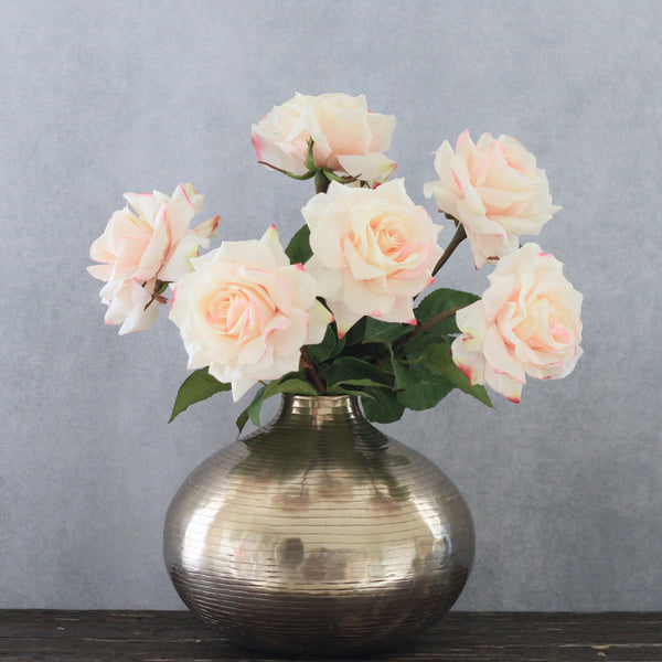 artificial flowers luxury faux silk pale pink hybrid tea rose bouquet lifelike realistic faux flowers buy online from Amaranthine Blooms Hong Kong UK