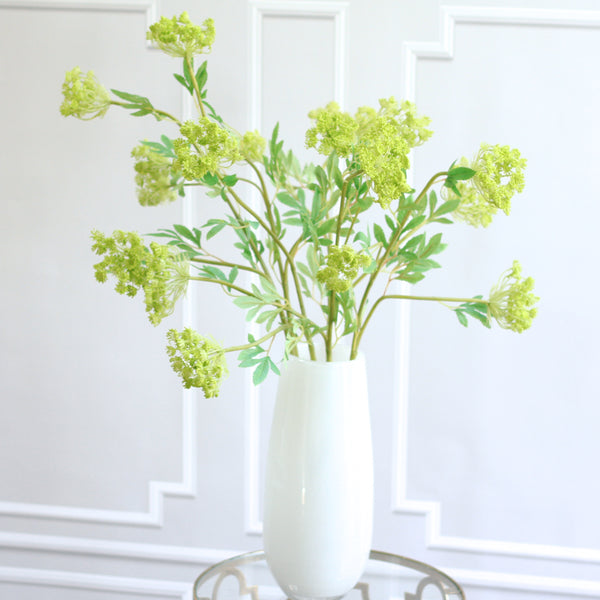 TRADE green cow parsley spray