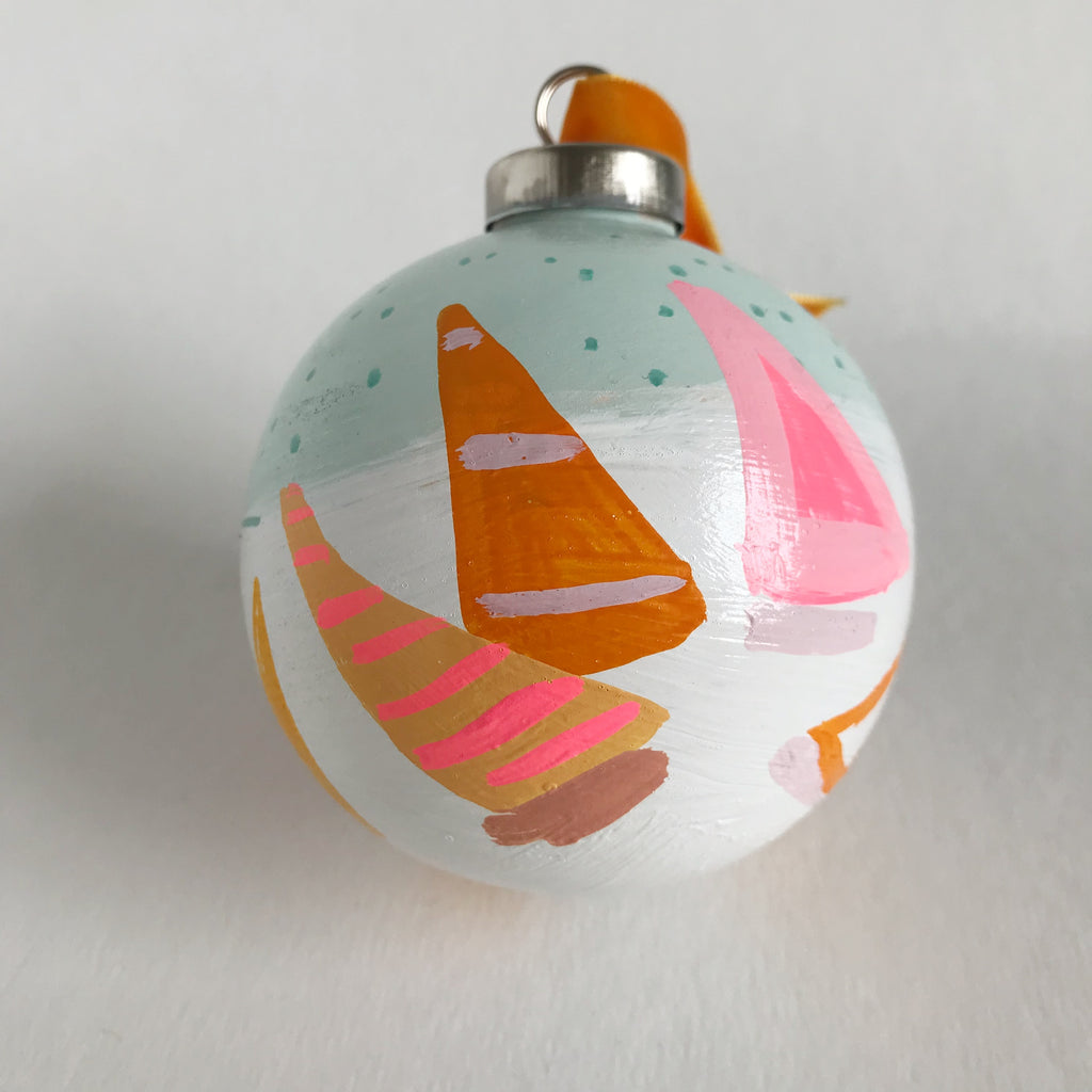 Regatta Ornament 30