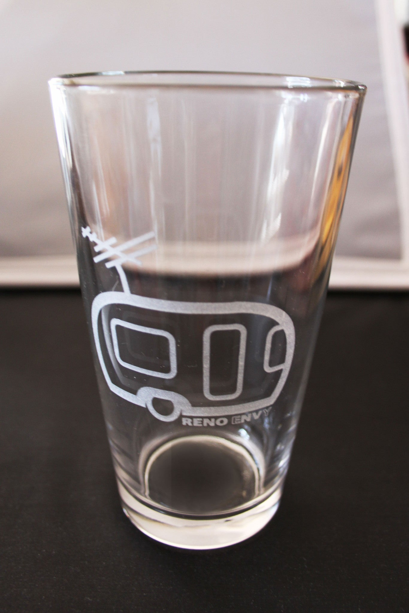 Pint Glass: eNVy Trailer (Silver)