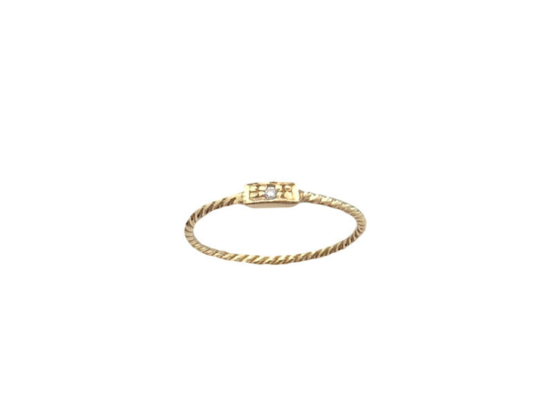 Twisted Rectangle Diamond Ring - Yellow Gold