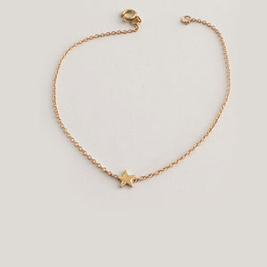 Single Star Bracelet In Solid Gold