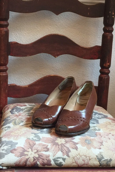 1940's Leather Peeptoe Pumps l