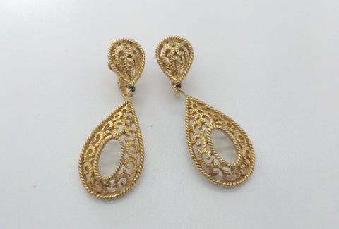 1980's Trifari Dangle Clip-on Earrings