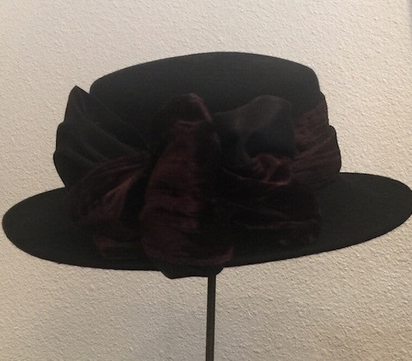 1980's Wool Chapeaux with Crushed Velvet Band l M