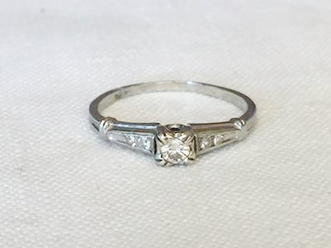 1940's Estate Diamond 18K White Gold Ring l 7.5