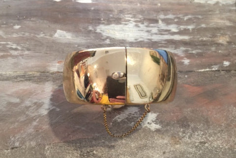 1950's Whiting & Davis Hinged Bangle Bracelet