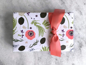 Gift Wrap Favorite Story Wildflower Gift Wrap, Fine Wrapping Paper