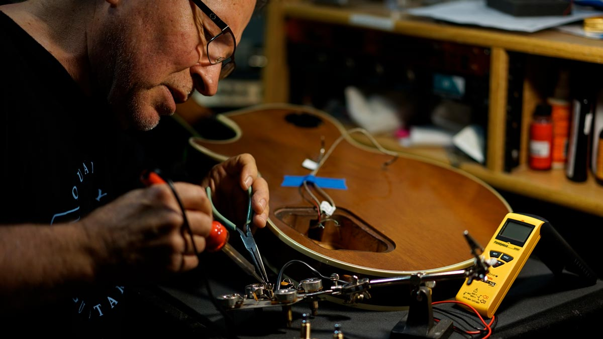 Guitar Bass Repair & Restring