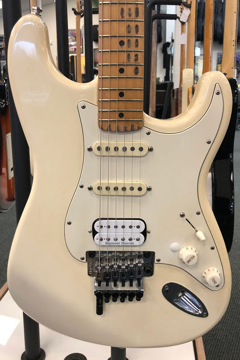 Fender MIM Stratocaster HSS Electric Guitar (Pre-Owned)